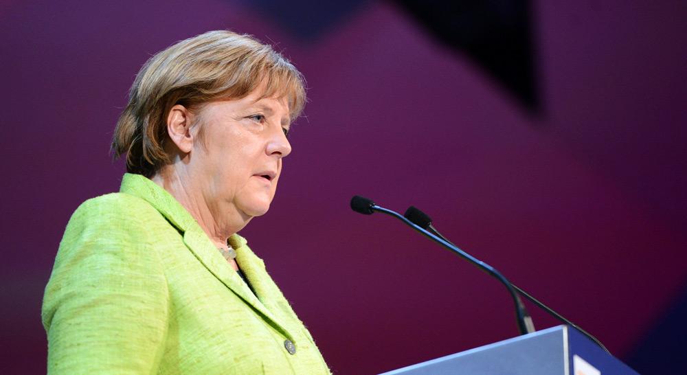 Angela Merkel Die Geburtshelferin Der Afd Blätter Für